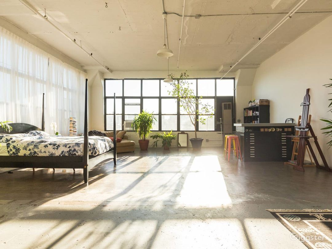 Brooklyn Loft: Bright Lighting & Factory Windows Photo 1