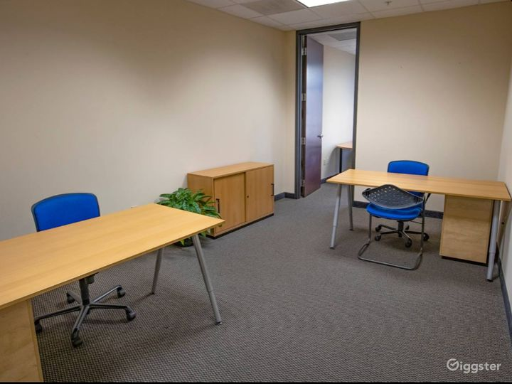 Spacious and Relaxing Office in Charlotte Photo 3