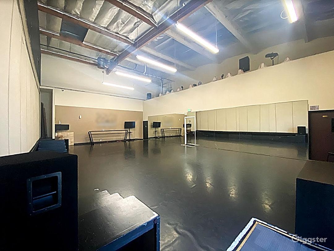 Studio 7  Photo 1