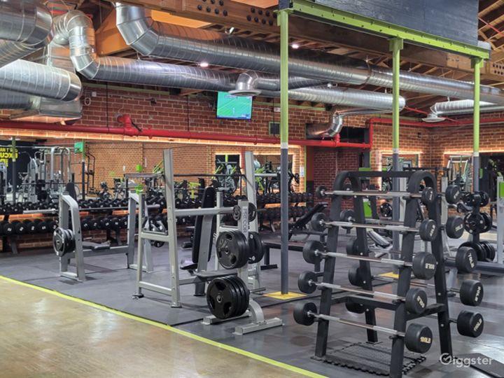 Beautiful Brick Walled Main Gym Area Photo 3
