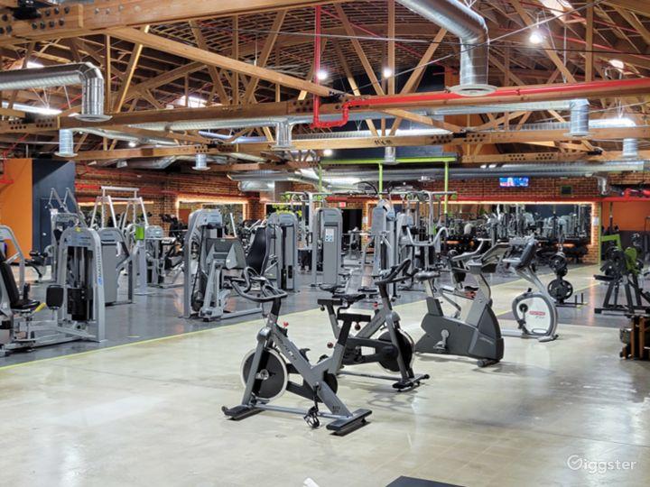 Beautiful Brick Walled Main Gym Area Photo 4
