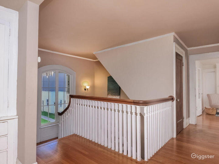 Quintessential Colonial with Large Lot in LA  Photo 2