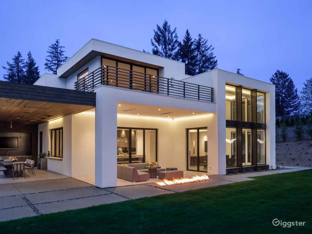 Clyde Hill Modern Contemporary House  Photo 1