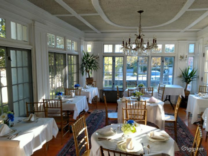 Cozy and Warm Private Dining Space in Providence Photo 5