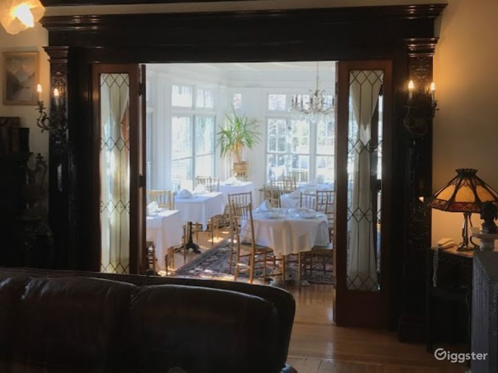 Cozy and Warm Private Dining Space in Providence Photo 3