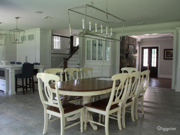 Contemporary House w/Large Yard: Location 5169 Photo 2