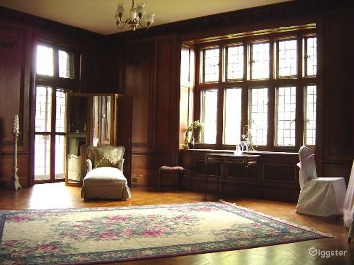 Large period manor house: Location 4056 Photo 2
