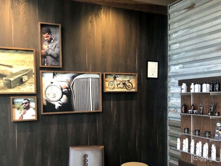 Spacious Modern Salon in Echo Park, Los Angeles Photo 2