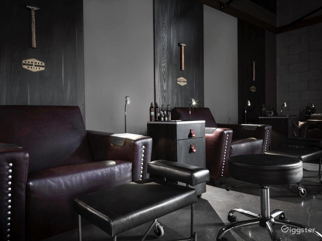 Spacious Modern Salon in Echo Park, Los Angeles Photo 1