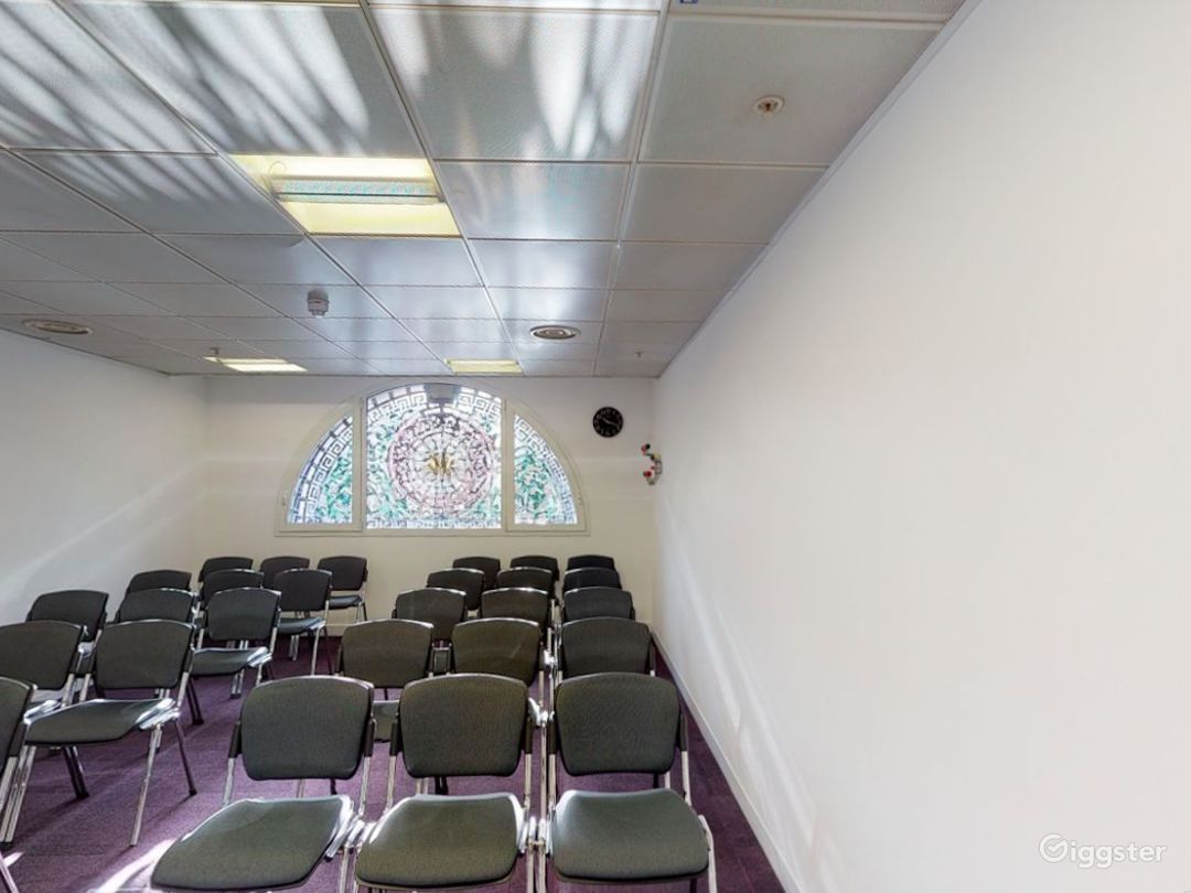 Smithfield  Cozy and Stylish Meeting Room 4 Photo 1