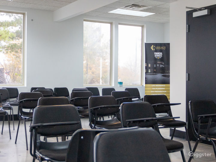50 Person Classroom with Natural Light Photo 3