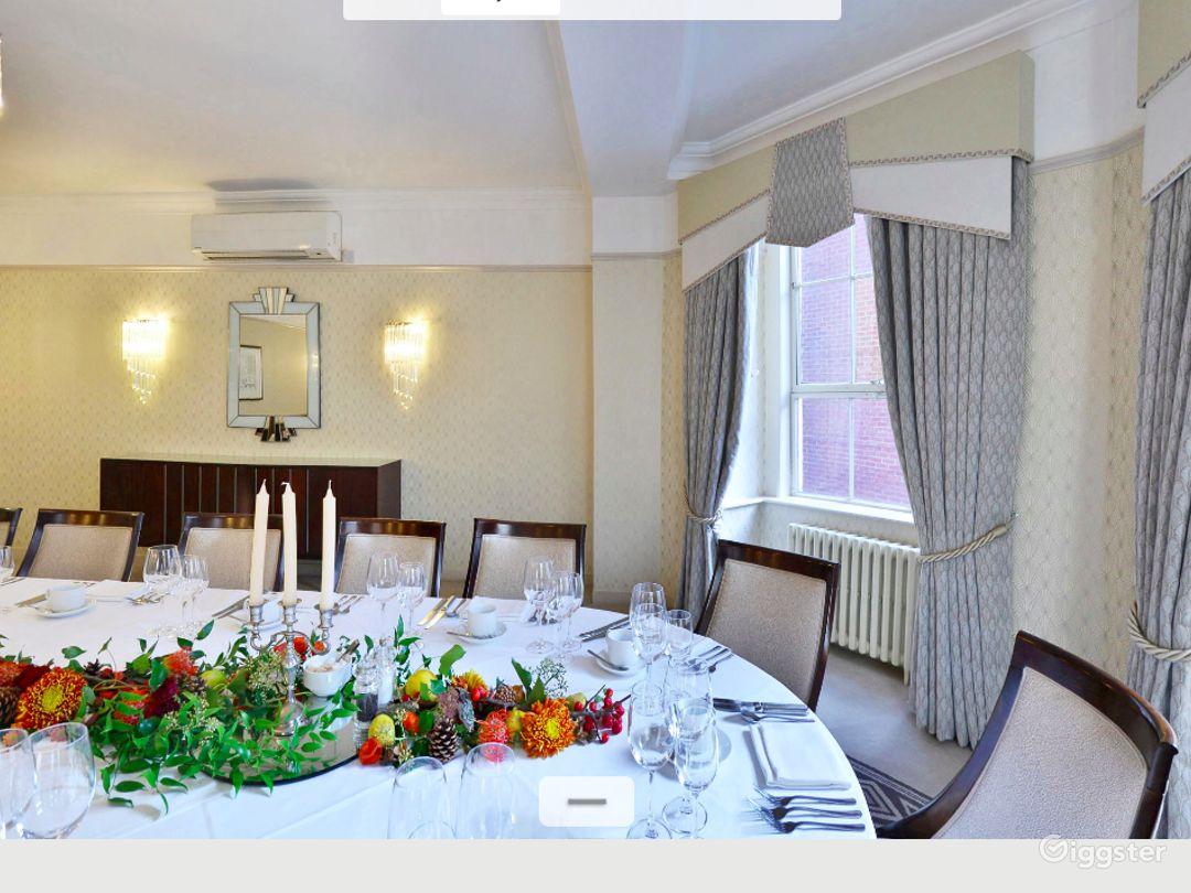 Generous Findlay Room in London Photo 1