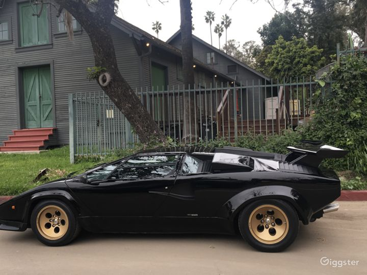 Black Lamborghini Countach Photo 2
