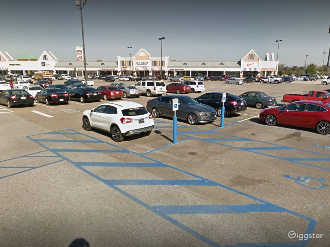 A Colossal Parking Space in Gonzales Photo 1