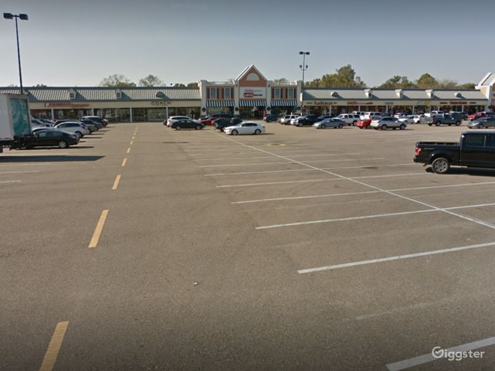 A Colossal Parking Space in Gonzales Photo 2