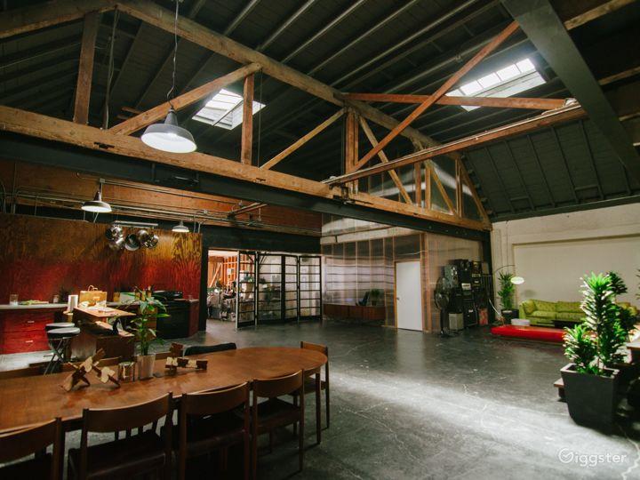 Large Spacious Downtown Warehouse Loft Photo 5