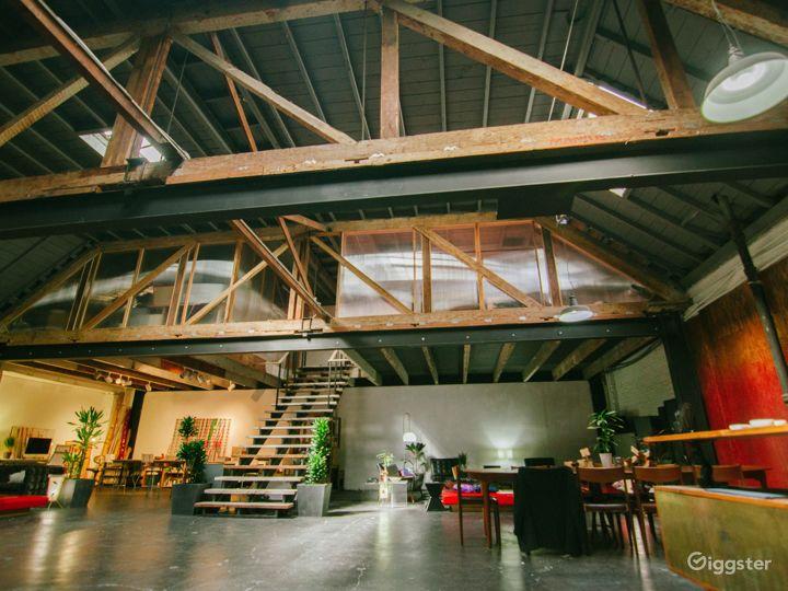 Large Spacious Downtown Warehouse Loft Photo 2