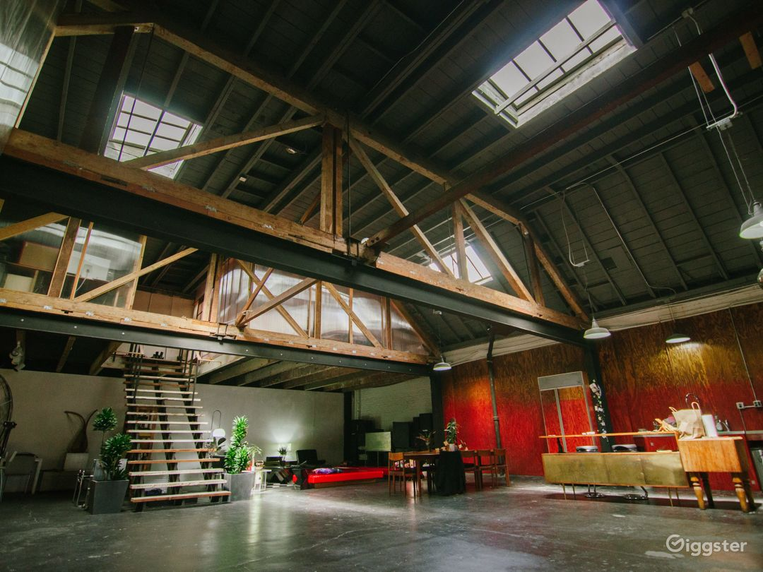 Large Spacious Downtown Warehouse Loft Photo 1