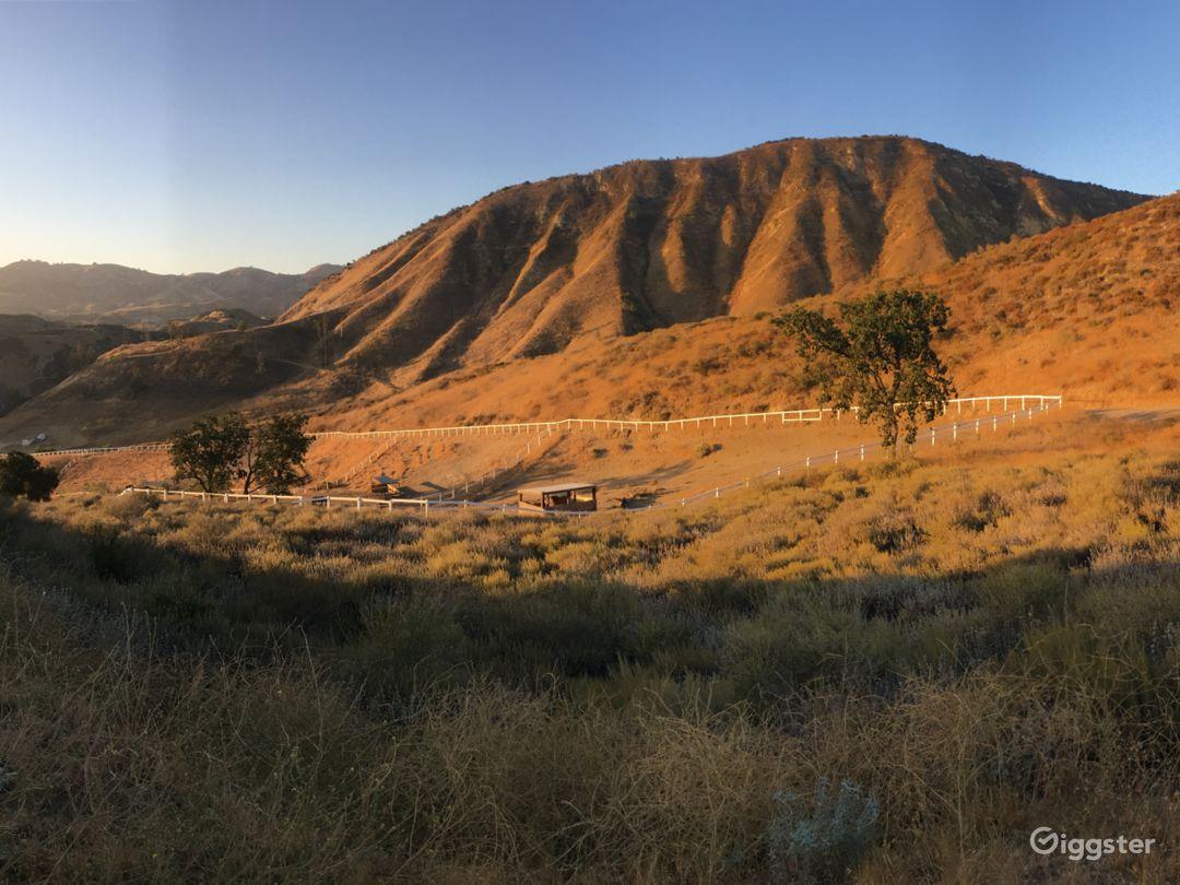 Upscale horse farm+ Rugged terrain + 2 avail homes Photo 2