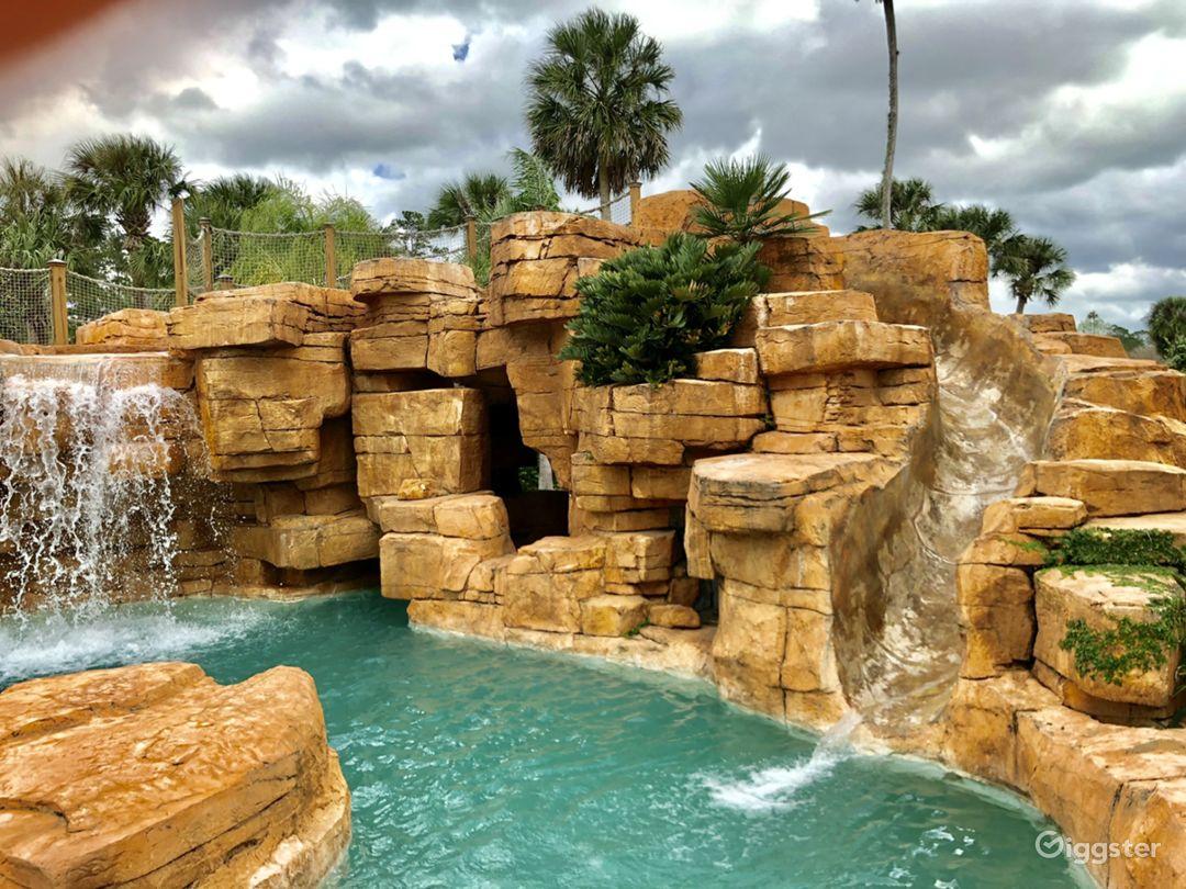 Amusement park level huge tropical lagoon pool  Photo 2