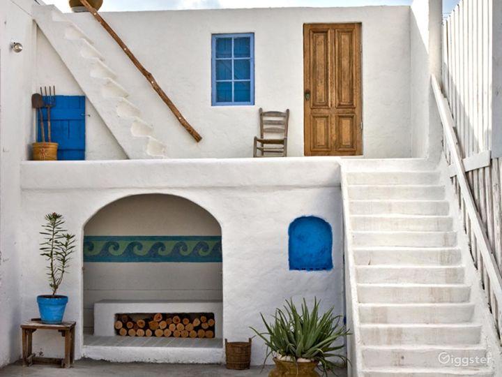 Beautiful Greek Set Studio in Miami Photo 5
