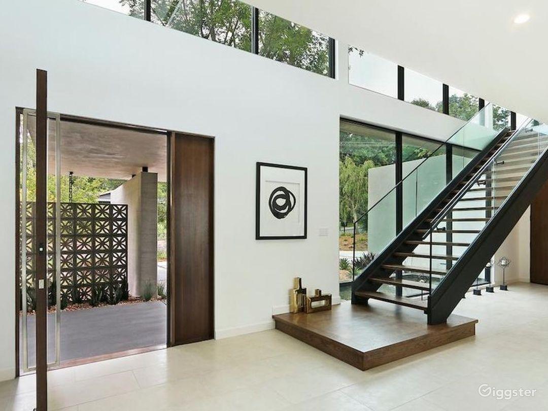 Designer Modern Mansion  Photo 5