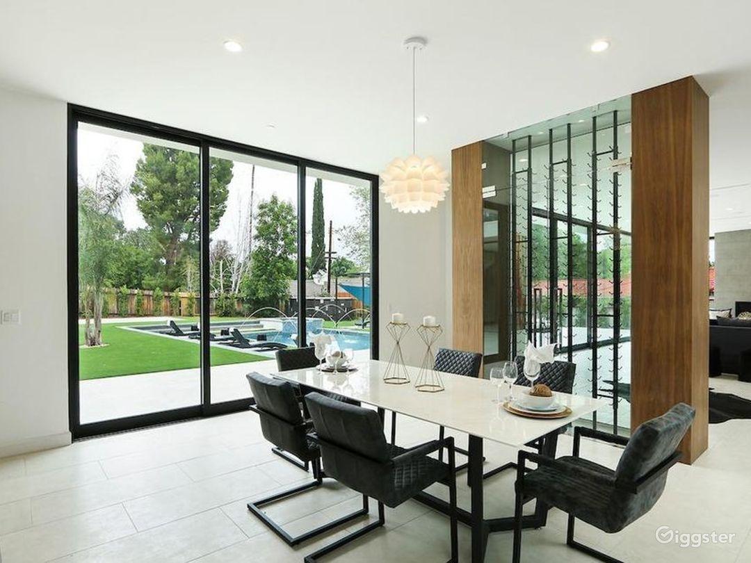 Designer Modern Mansion  Photo 4