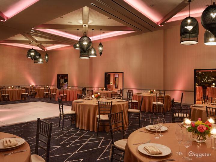 Extravagant Ballroom Hall with Modern Interiors Photo 2