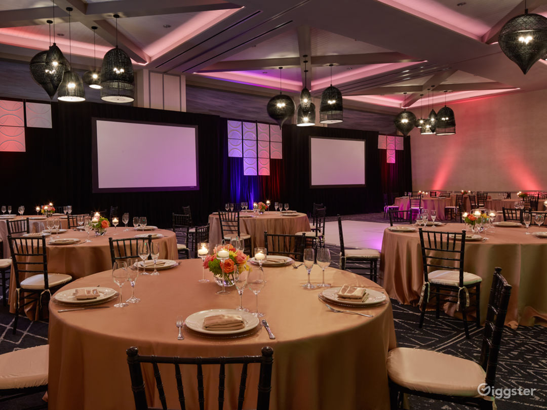 Extravagant Ballroom Hall with Modern Interiors Photo 1