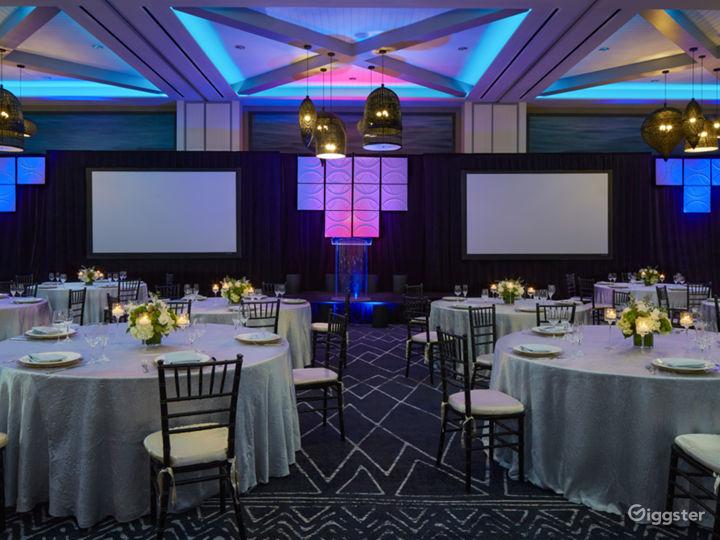 Extravagant Ballroom Hall with Modern Interiors Photo 3