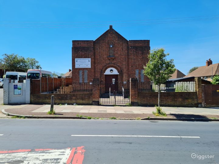 Joan Currie Hall in Mottingham Photo 3