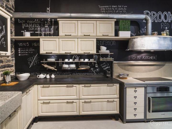 Modern Kitchen Showroom Photo 2