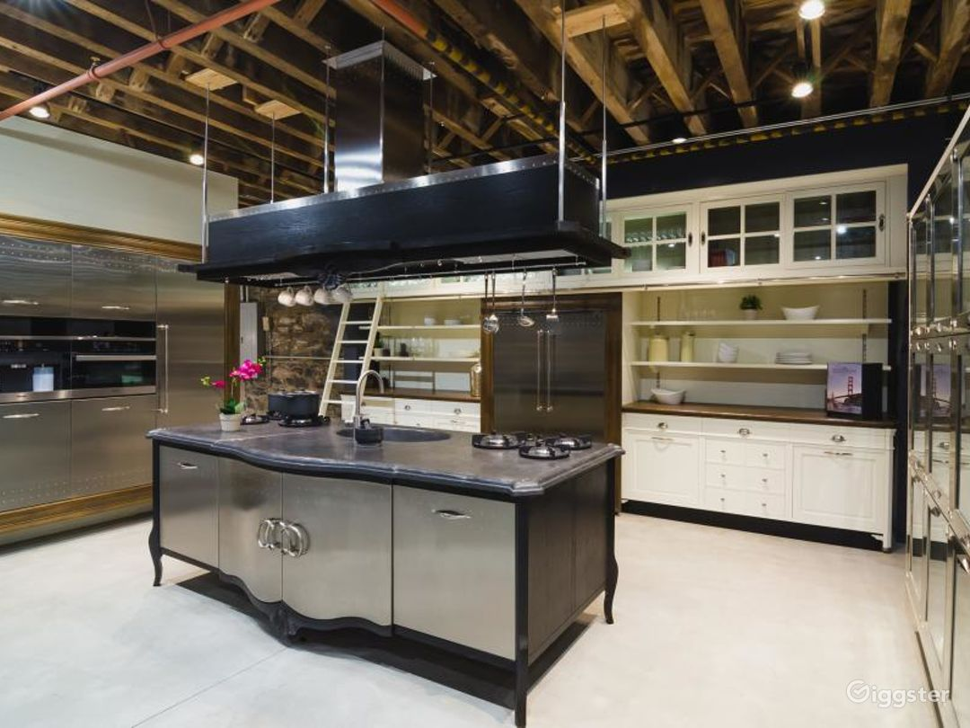 Modern Kitchen Showroom Photo 1