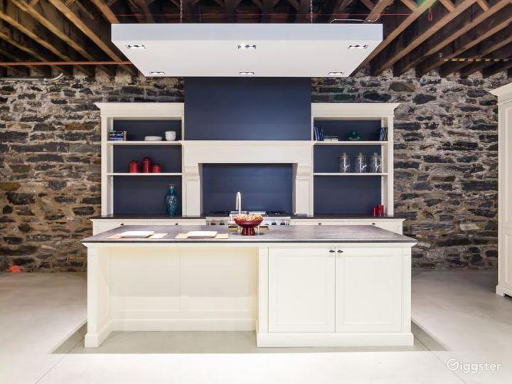 Modern Kitchen Showroom Photo 4