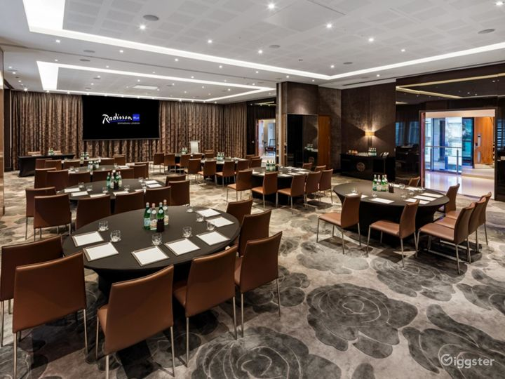 Elegant & Spacious Ontario Room in Canary Wharf London Photo 4