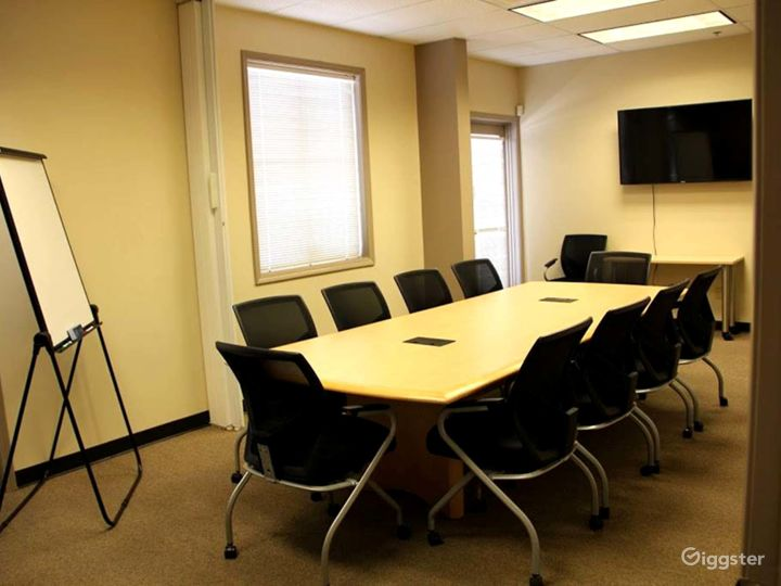 Well-kept Conference Room in Albuquerque Photo 5