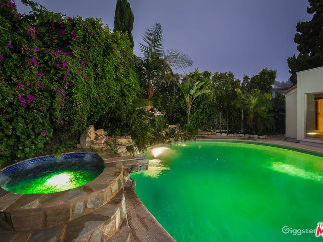 Beautiful 4 Bedroom With Majestic Canyon Views Rent This