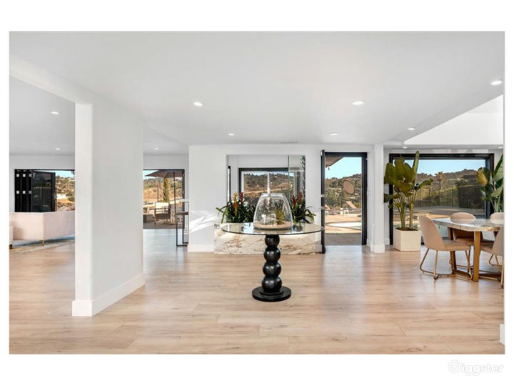Updated Modern Contemporary with Expansive Views Photo 3