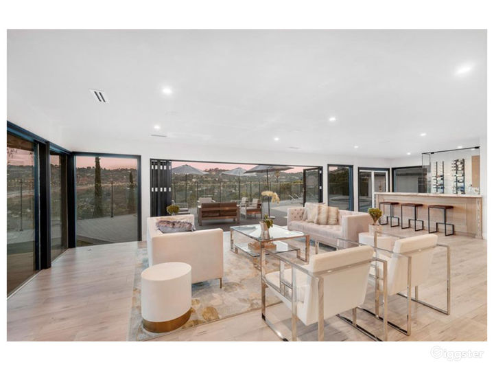 Updated Modern Contemporary with Expansive Views Photo 5