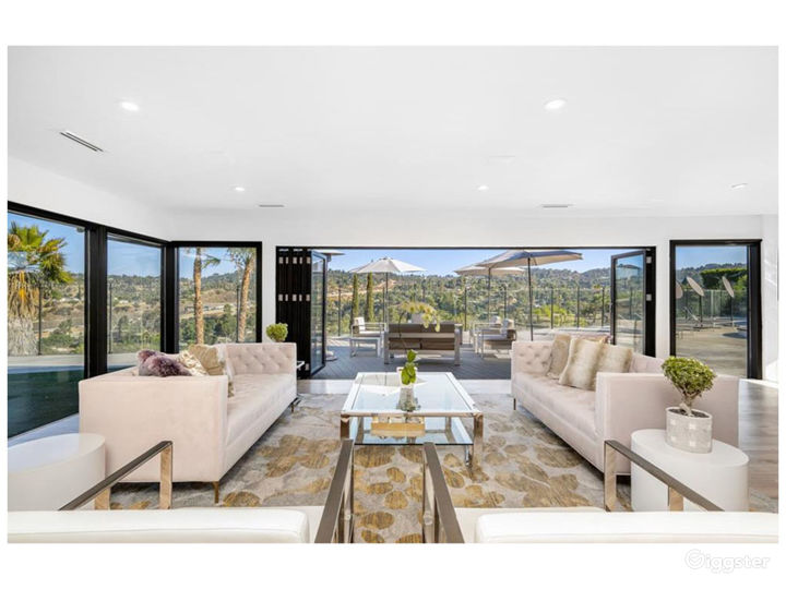 Updated Modern Contemporary with Expansive Views Photo 4