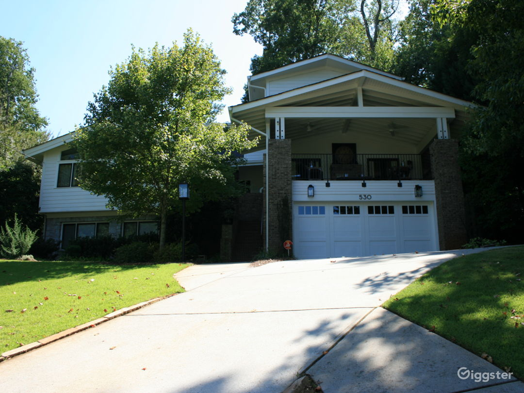 Front of house - 530 Oakview Road