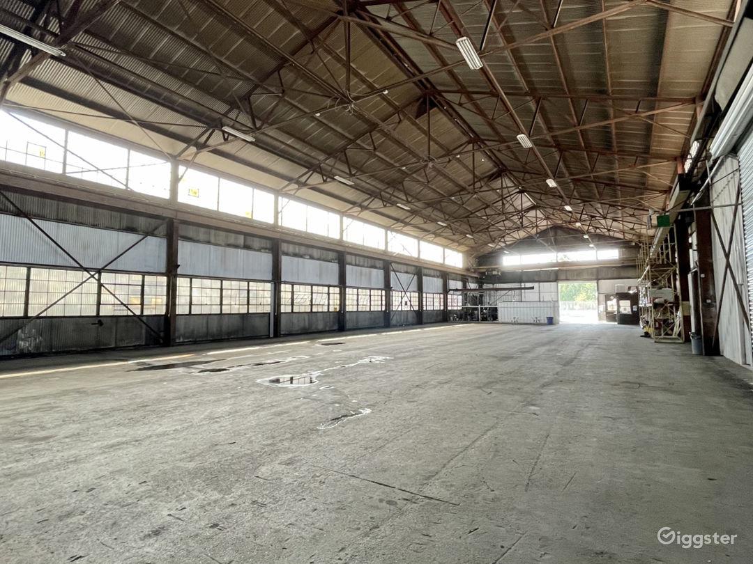 Mega Stage: Huge Warehouse Location Photo 1
