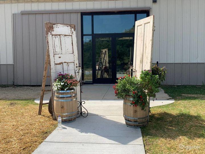 Vintage Barn Wedding Venue Photo 5