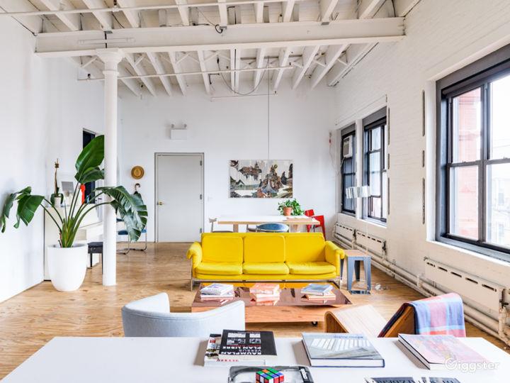 4,000 sq./ft. top floor with skylight café