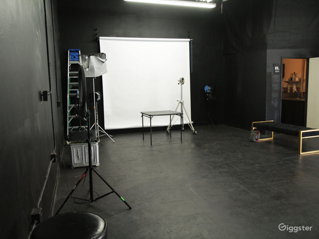 Event Space Rental Glendale / Burbank California, Photo Studio, Photography Studio, Film Studio, Film Production, Party Rental Space, Audition & Rehearsal Space