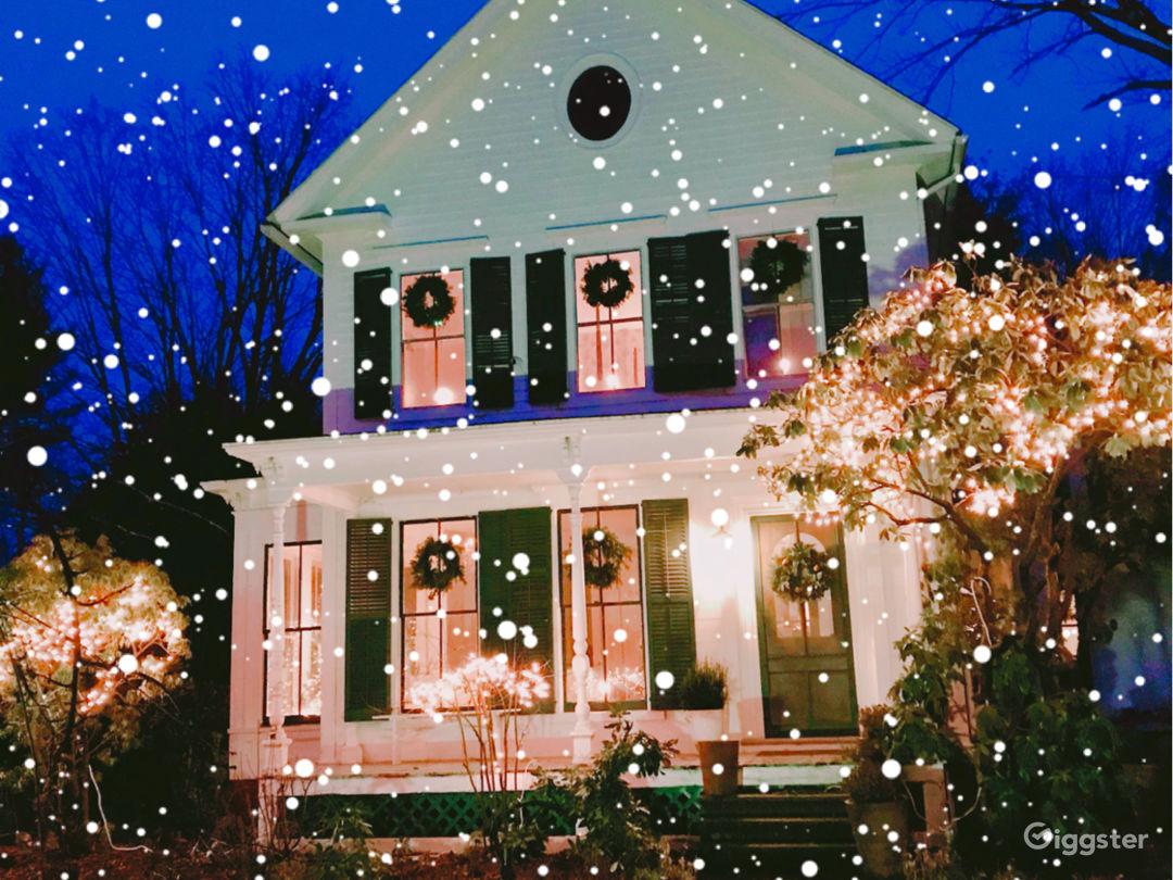 Holidays 1855 Historic Home