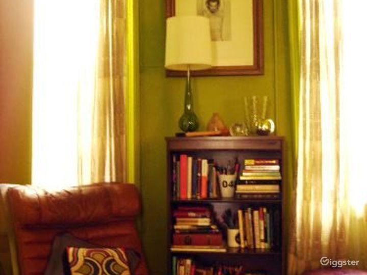 Boho NYC apartment: Location 4050 Photo 2