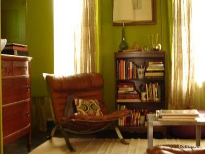 Boho NYC apartment: Location 4050 Photo 4