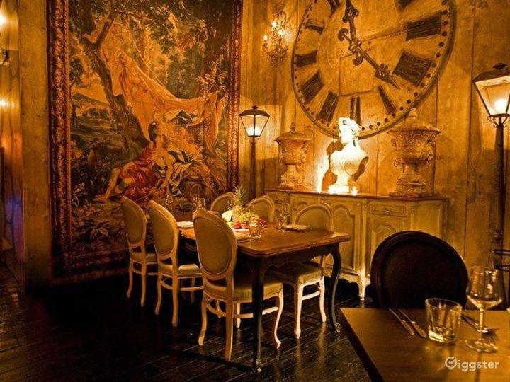 Rustic yet Elegant Bar in London Photo 4