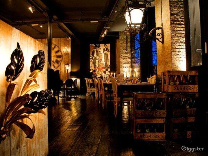 Rustic yet Elegant Bar in London Photo 5